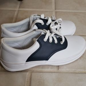 Led leather shoes